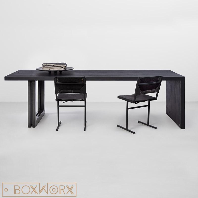 tafel massief eiken zwart